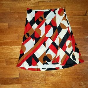 Beautiful skirt W/ opening on the front